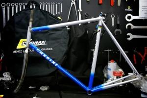 f1-chesini-replica-bianco-azzurra-01